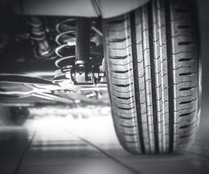 ¿Qué debemos revisar y verificar en los neumáticos?
