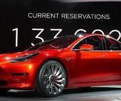 Tesla recibe más de 325.000 reservas de su nuevo modelo.