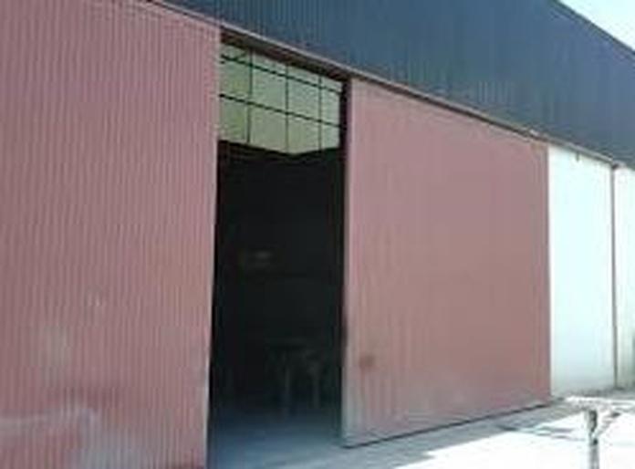 PUERTAS PARA NAVES INDUSTRIALES: Servicios de Exposición, Carpintería de aluminio- toldos-cerrajeria - reformas del hogar.