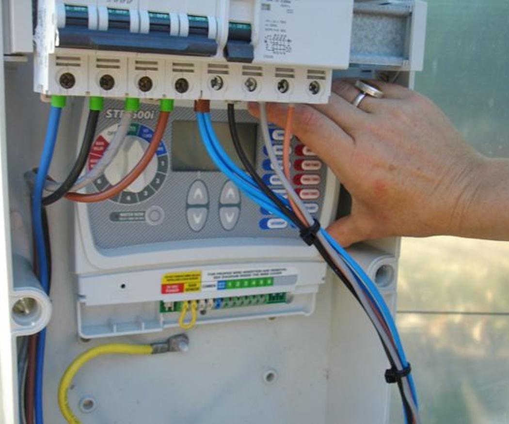 Cómo poner electricidad en una casa antigua que se está rehabilitando