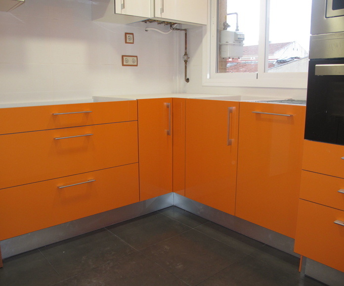 Mueble Naranja brillo intenso