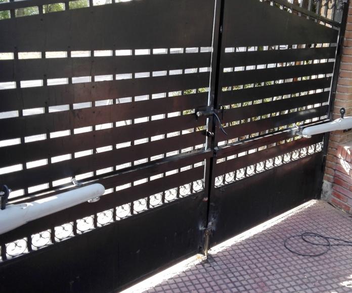 motorizacion de puerta batiente 2 hojas e instalación eléctrica.