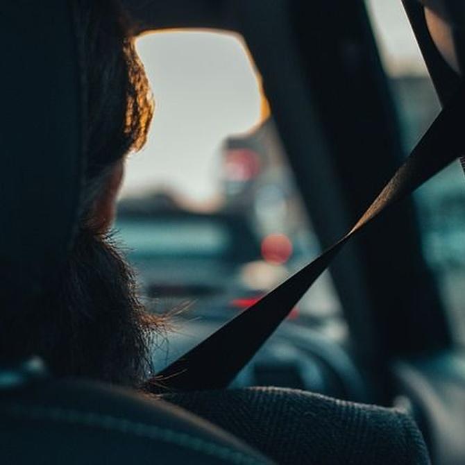 Cómo señalizar correctamente un coche averiado en la carretera