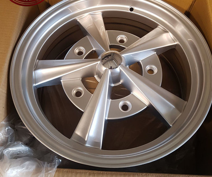 VW Karmann Ghia - Radar Wheels