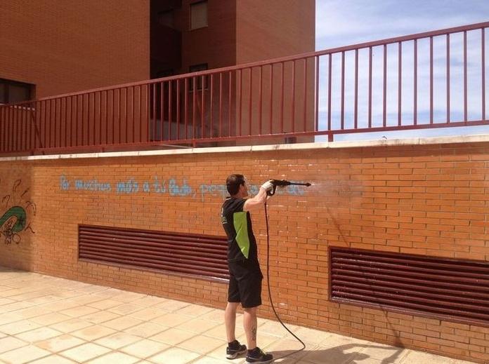 Limpieza graffitis: Servicios de Limpiezas Hermanos Guijarro