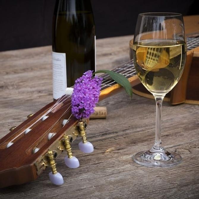El vino Albariño, un blanco lleno de carácter