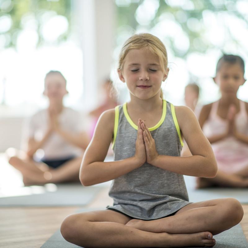 Yoga Niños : Clases y Terapias de Ama Centro de Yoga Tenerife