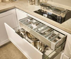 ¿Quieres guardar la estética de la cocina?  Con el cajón interior es posible. Por fuera un gran cajón y por dentro un gran interior.