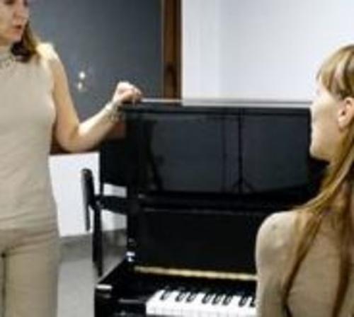 Clases de canto, piano, solfeo musical