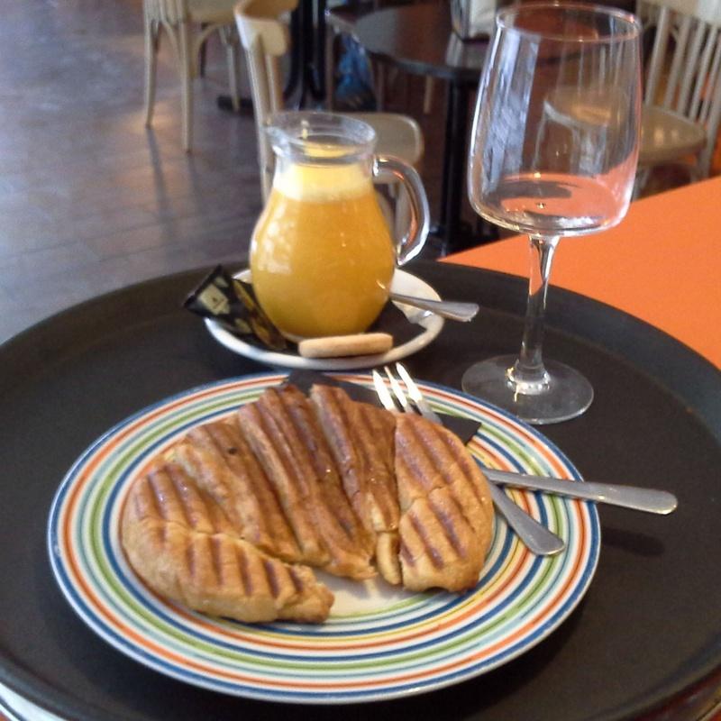 Desayunos y almuerzos: Servicios de Restaurante Tostería y Café O'Clock