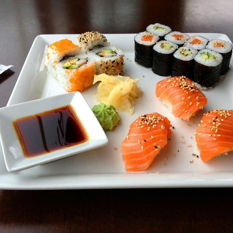 California, temaki, sashimi, tartar: Carta de Restaurante Tsuruma