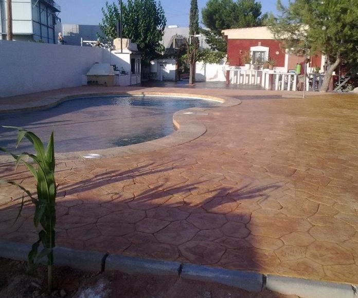 Construcción de piscinas: Servicios de Pavimentos Impresos y Fratasados de Fortuna