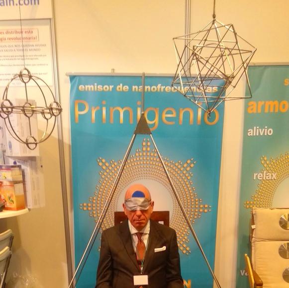 Figuras geométricas cuánticas: Emisores de nanofrecuencias de Primigenio