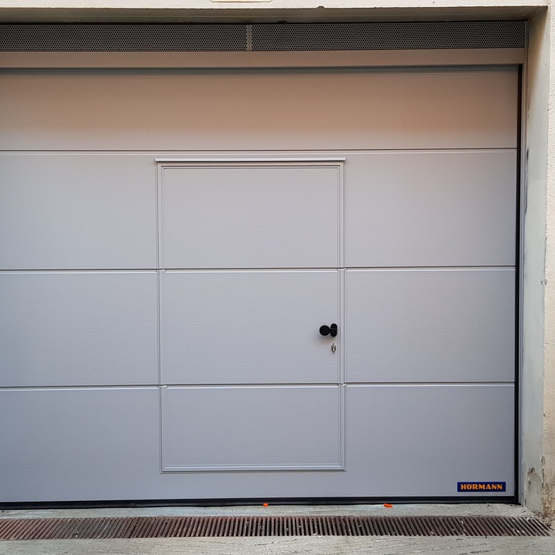 Puertas seccionales: productos de Servi Well Done