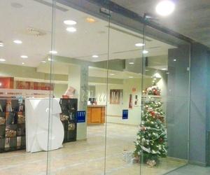 Puertas de cristal correderas automáticas en Hotel Almussafes