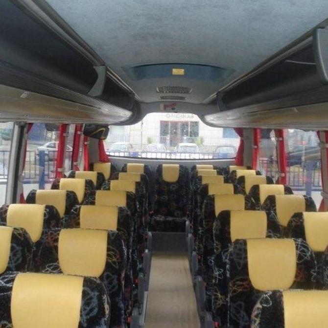 ¿Por qué alquilar un autobús para tu boda?