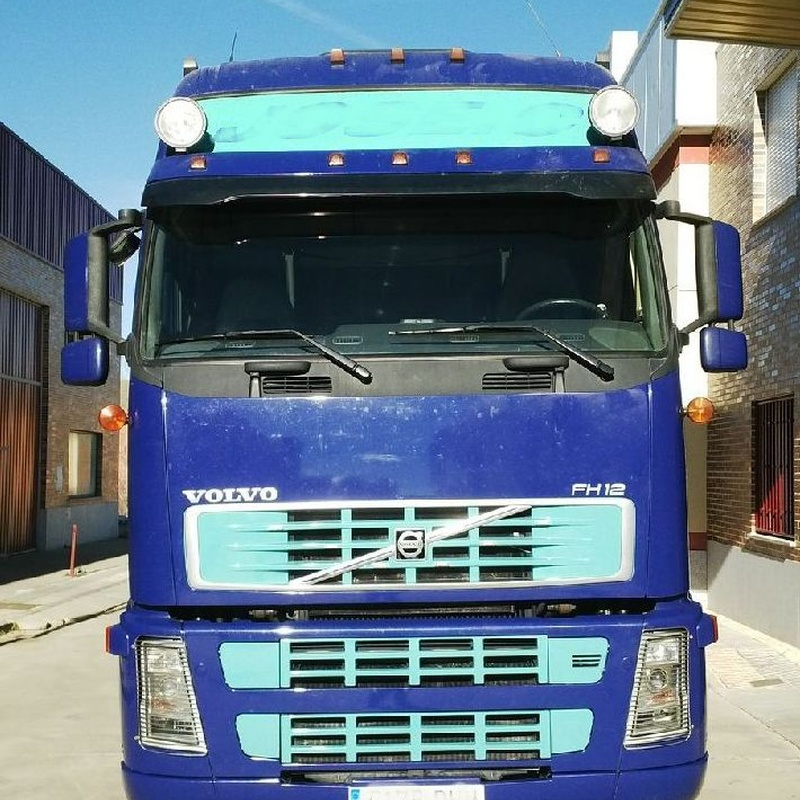 VOLVO FH500 GLOBETROTTER XL AUTOMATICO VEB EQU. HIDRAULICO SPOILERS NEVERA: Camiones de Autotruck Salamanca