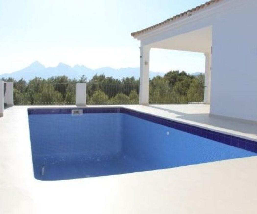 La piscina más resistente gracias al microcemento