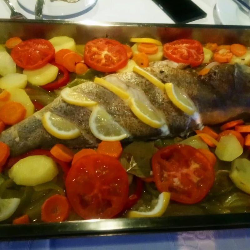 Cherne al horno: Nuestras especialidades de Restaurante Lago Verde