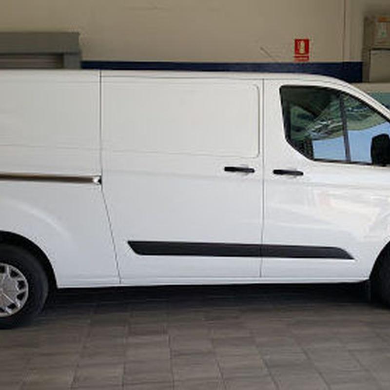 Ford Transit: Alquiler de vehículos de Altiplano Rent a Car