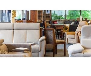 Venta de muebles de segundamano, electrodomésticos y ropa