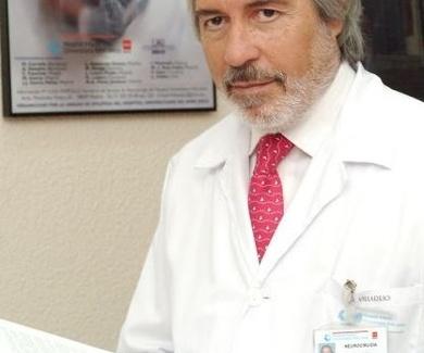 Expertos en la operación de hernia discal cervical