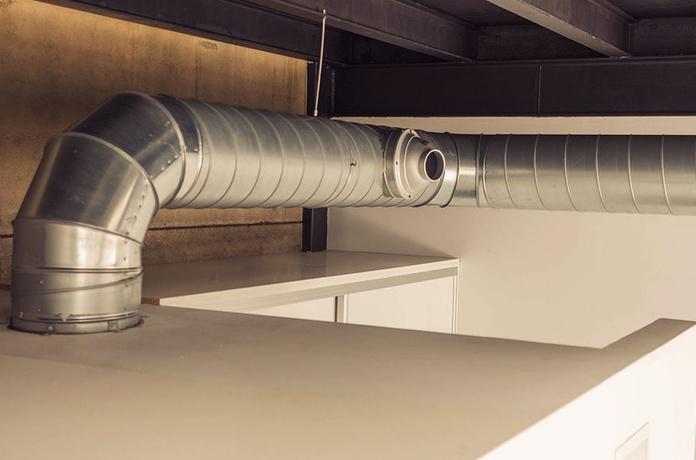 Instalación por conductos vista estilo industrial