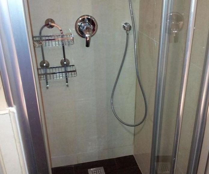 Reforma de baños: Servicios de Kaplan gestión de obras, S.L.