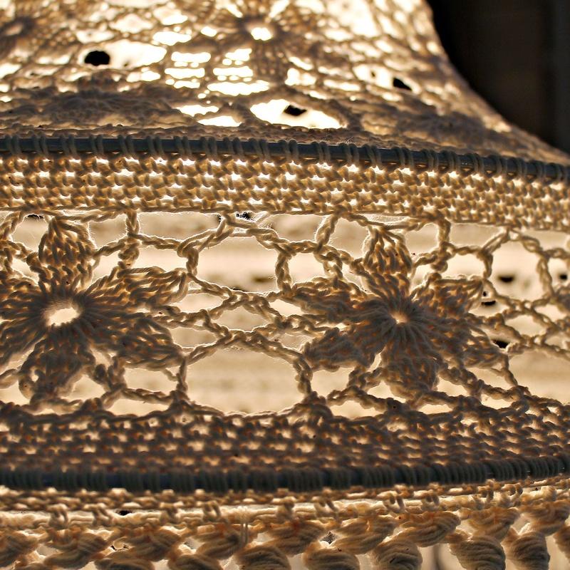 Lámpara de crochet (ganchillo):  de Ruzafa Vintage