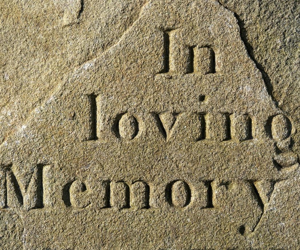 Epitafios divertidos en lápidas