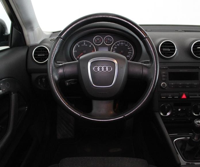 Audi A3 2.0TDI DPF Ambition: Nuestros Vehículos de Activa Motors