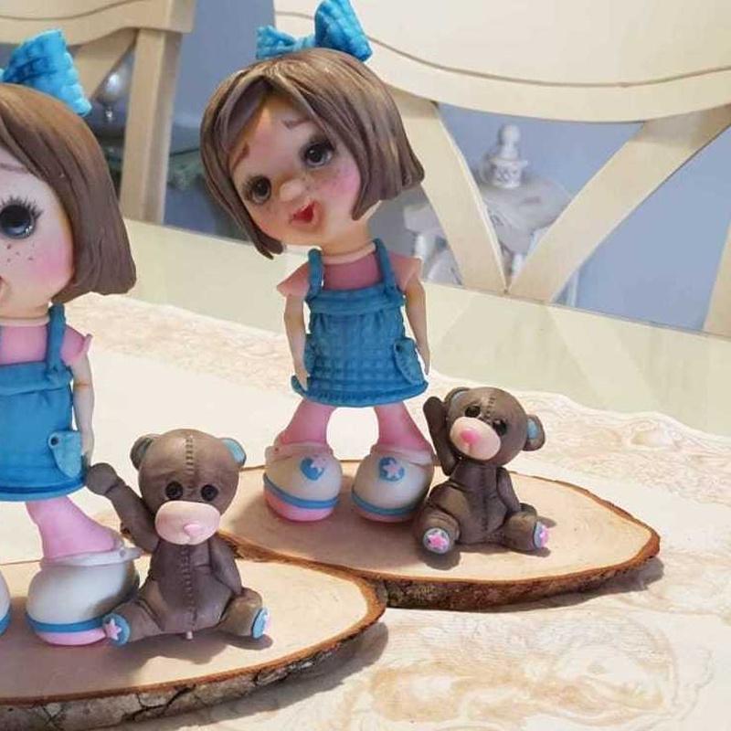 Muñecos de encargo para tartas. Repostería Grace. Málaga