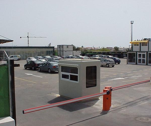1,50x 2,20 m. control entrada en aeropuerto