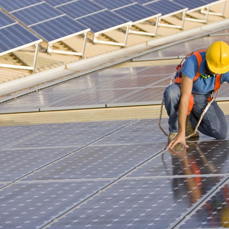 Mantenimiento de placas solares: Servicios de Ofeinco Ingenieros Consultores