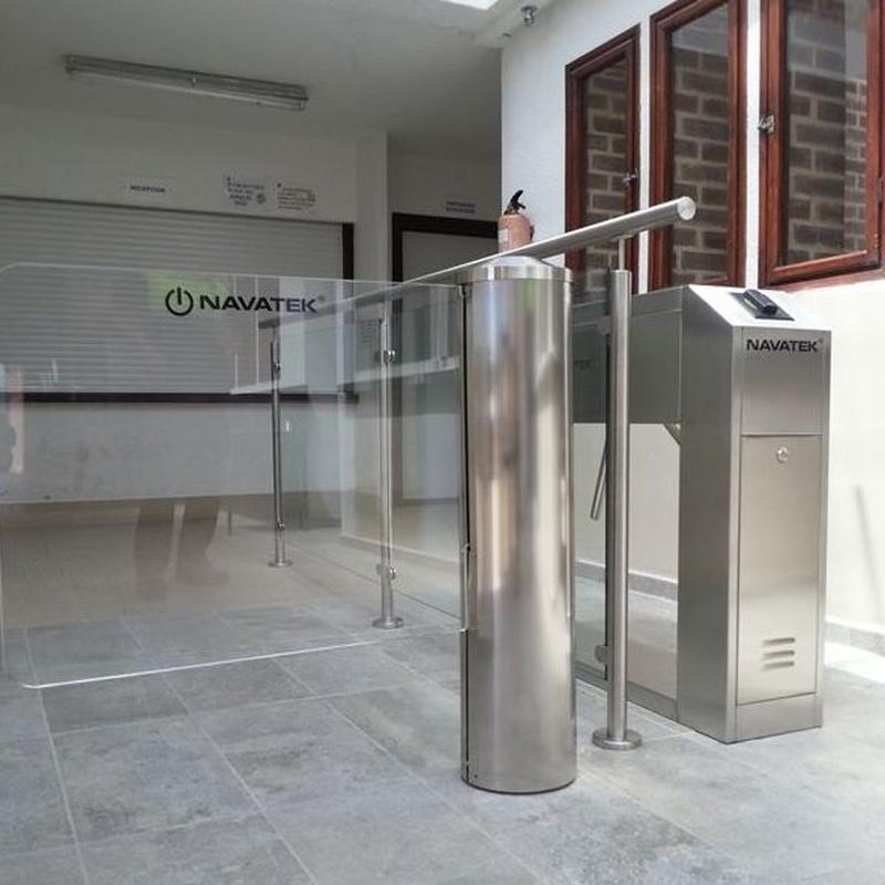 Empresa instaladora control accesos Navarra