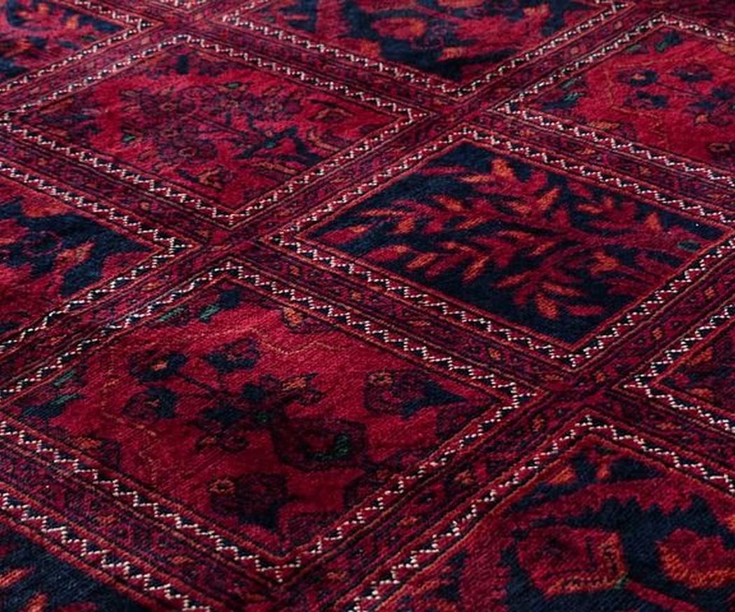 ¿Qué hacer con las manchas difíciles de una alfombra?