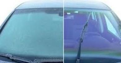 Como quitar el hielo del parabrisas de forma segura