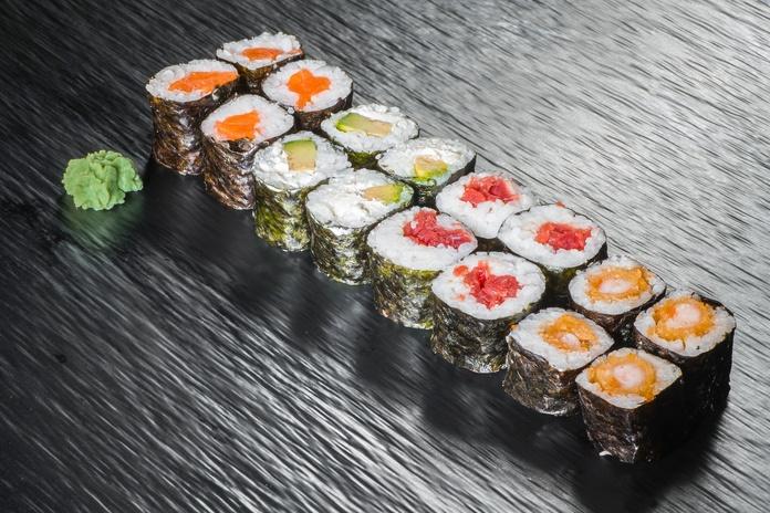 Maki mix Nº16  8,50€: Carta de Restaurante Sowu