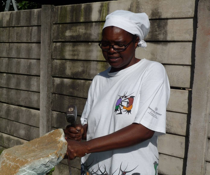 Agnes Nyanhongo: Exposiciones y artistas de Gazzambo Gallery