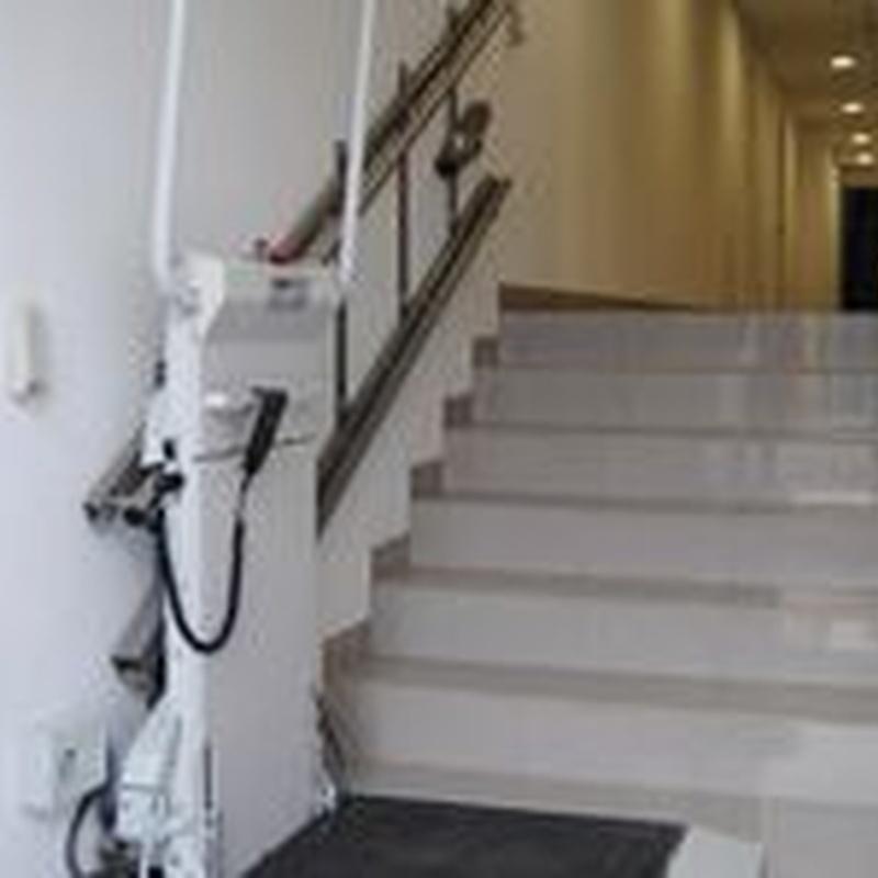 Silla y plataforma salvaescaleras: Productos y servicios de TOT ELEVACIÓ