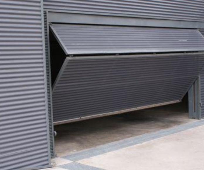 Puertas levadizas: Catálogo de Industria Puertas y Cerramientos
