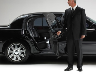 Transfer to airport: Services de Hire of cars with driver