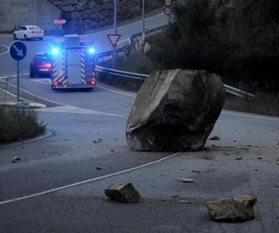 Vilagarcía esgrime un estudio geotécnico para mantener cerrado el vial de Baión