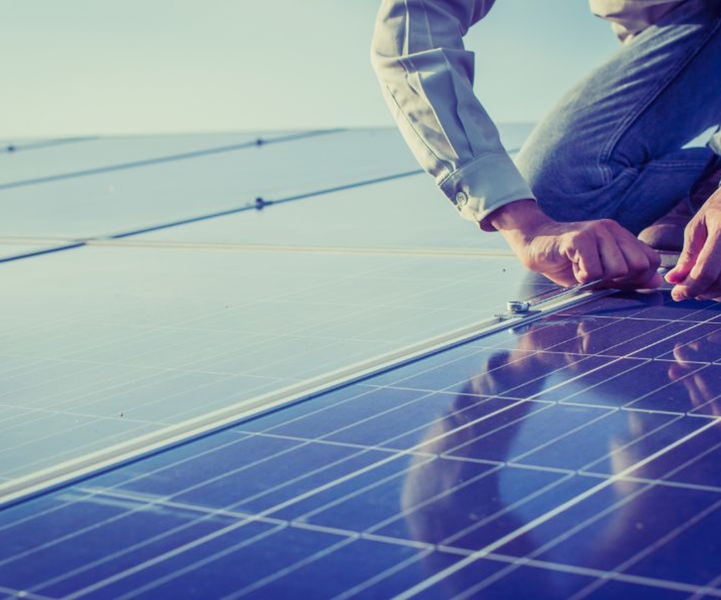 Cuatro claves que debes conocer antes de instalar placas solares en tu vivienda