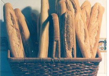 8 - Barra de Pan Casera Antaño (de masa madre y cocido en horno de leña)