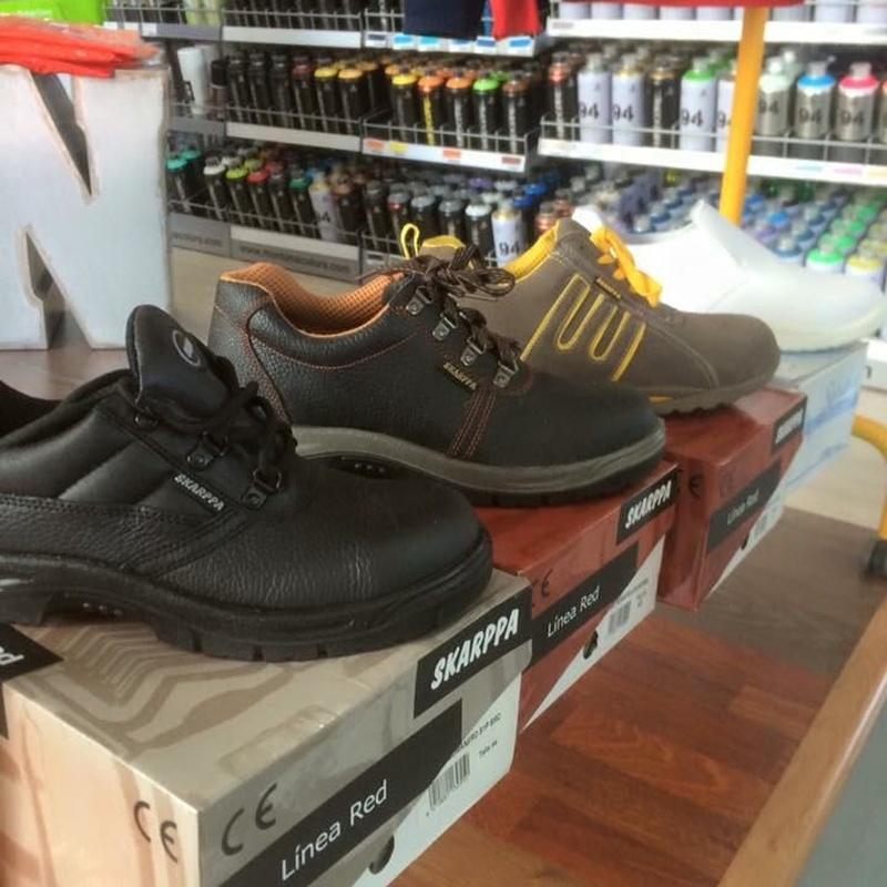 Ropa y calzado laboral: Servicios de Pinturas Ortiz