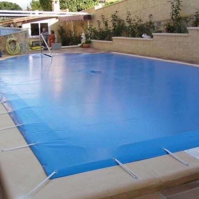 Problemas de no cubrir la piscina en invierno