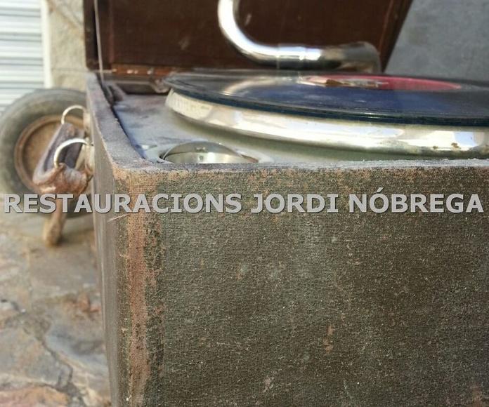 Restauración de muebles en Barcelona. Restauracions Jordi Nóbrega