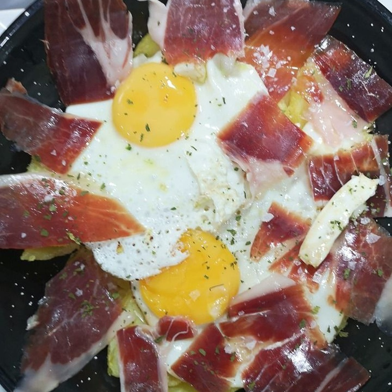 Raciones: Cocina 100x100 sin gluten de Tapería Las Campanas
