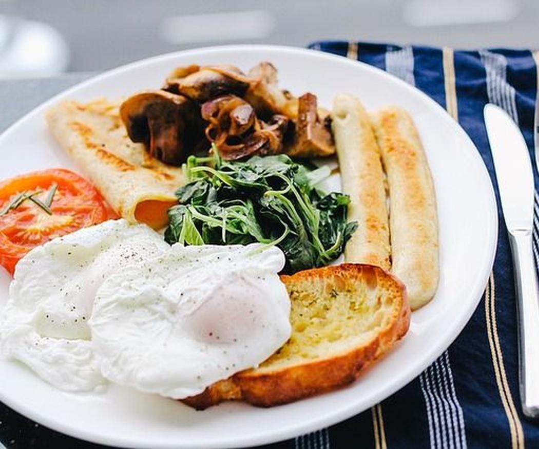 Breve historia del desayuno